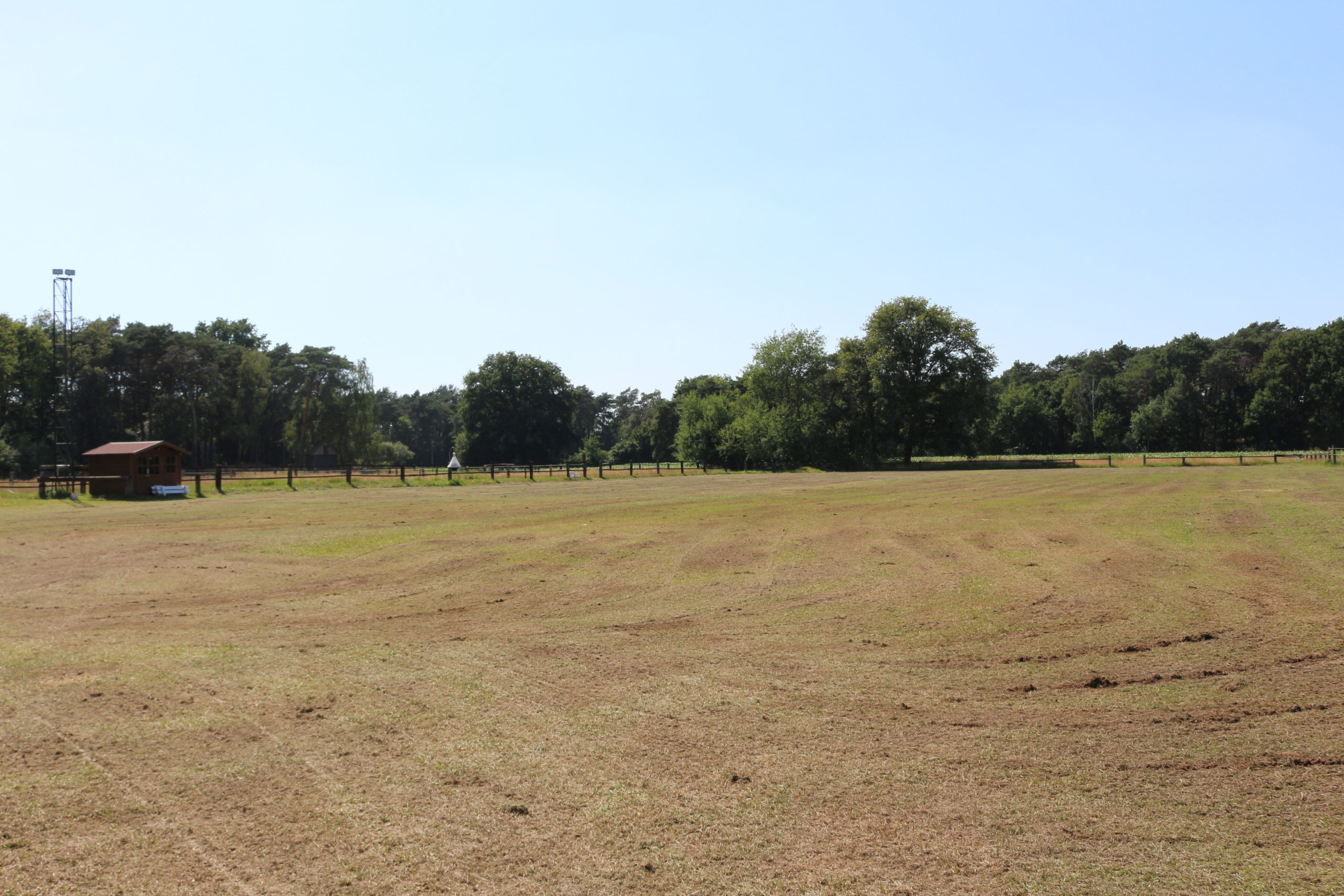 Fahrplatz auf Rasen